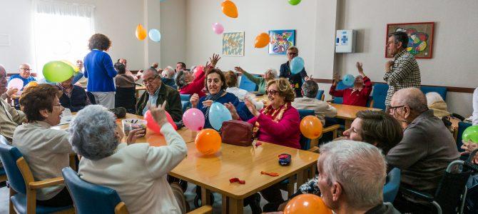 Risoterapia con globos en Párkinson