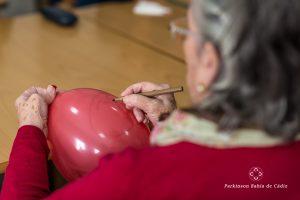 Risoterapia con globos