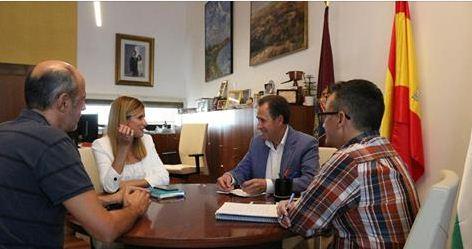 Recepción a la directora de la Asociación de Parkinson Bahía de Cádiz