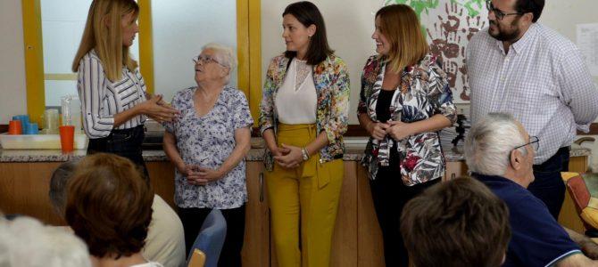 Diputación se interesa por la unidad de estancia diurna de Parkinson